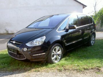 Ford S-Max 2.0TDCi - Titánium , 120 kW